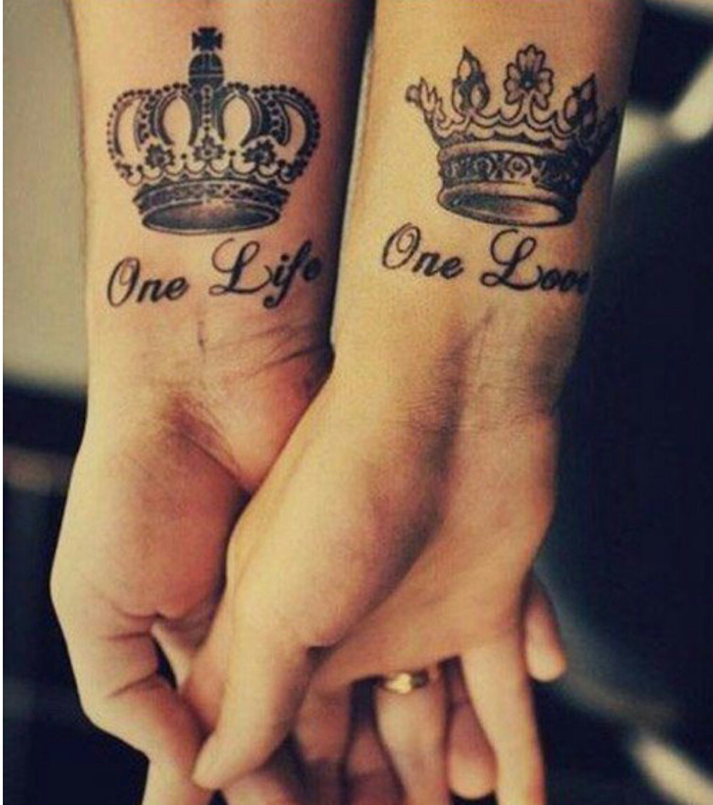 Tatouage Couple Montrez Votre Bonheur A Tout Le Monde Grace A Un Tatouage Fait En Couple